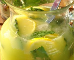 Zəncəfilli limonad