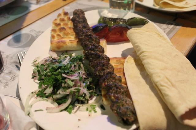 Oruq kababı (incə bulğur kababı)