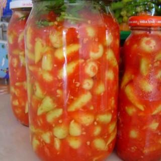 Pomidorlu acı bibər turşusu