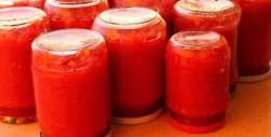 Qırmızı bibər və pomidor tomatı