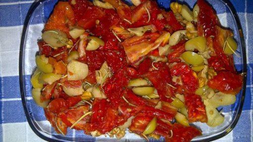 Quru pomidor yemeyi