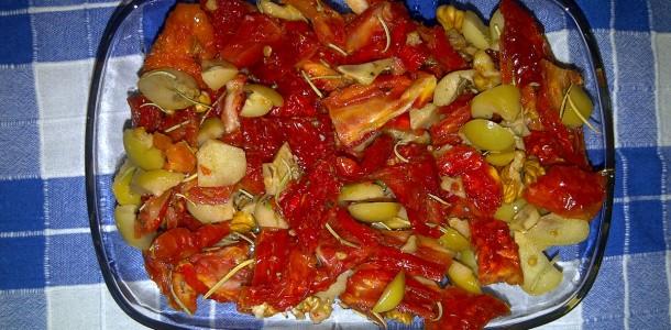 kurutulmus-domates-salatasi-02-610x300