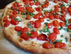 Asan Pomidorlu Pizza