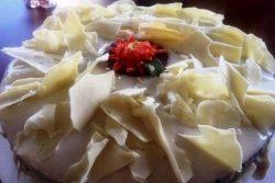 kremalı pendirli qaymaqlı köklü keks