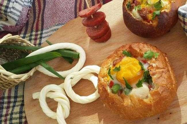 çörək çanağında omlet