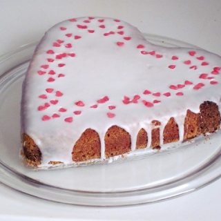 ürək formasında tort