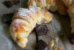 Milfoylu şokoladlı kuruvasan