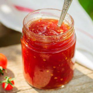 ədviyyatlı pomidor mürəbbəsi