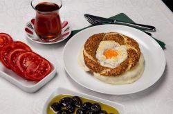 Yumurtalı və holland pendirli simit