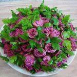 Qızılgül salatı