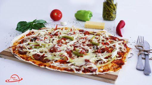 Hazır yuxayla acılı pizza