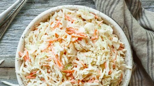 Coleslaw salatı - kələm salatı